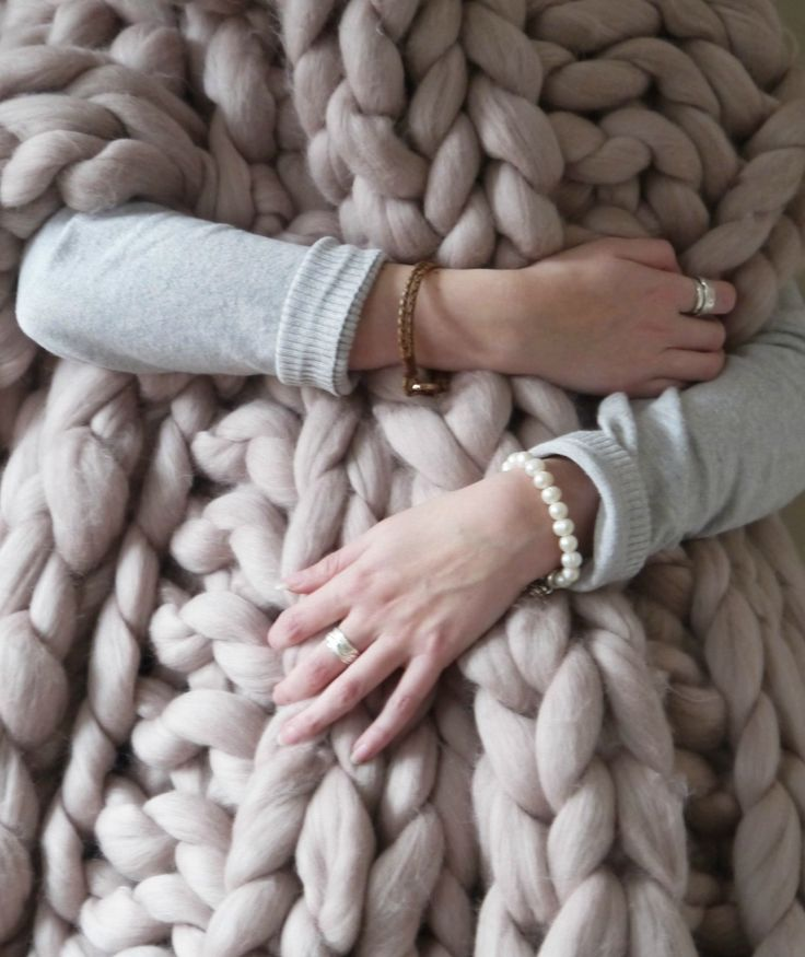 Chunky knit mink blush blanket - giant knit blanket - super chunky knitted throw - extreme knit blanket - merino wool throw