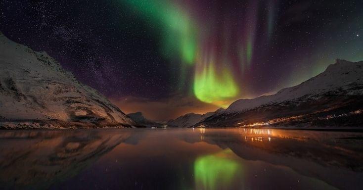 A aurora boreal sobre a Laksvatn Fjord, Noruega, em foto de de Matt Walford. Fotógrafos podem se inscrever pela internet em www.rmg.co.uk/astrophoto Todas as imagens foram cedidas pelo Observatório Real de Greewich