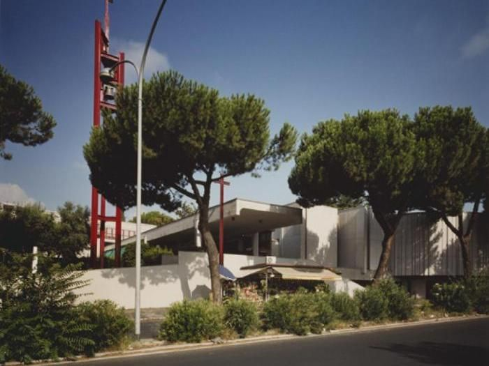 """Dodici chiese """"fuori le mura"""" disegnate da noti architetti  - da Richard Meier allo Studio Nemesi, da Anselmi a Garofalo -  che vale la pena di vedere. Anche per il Giubileo"""