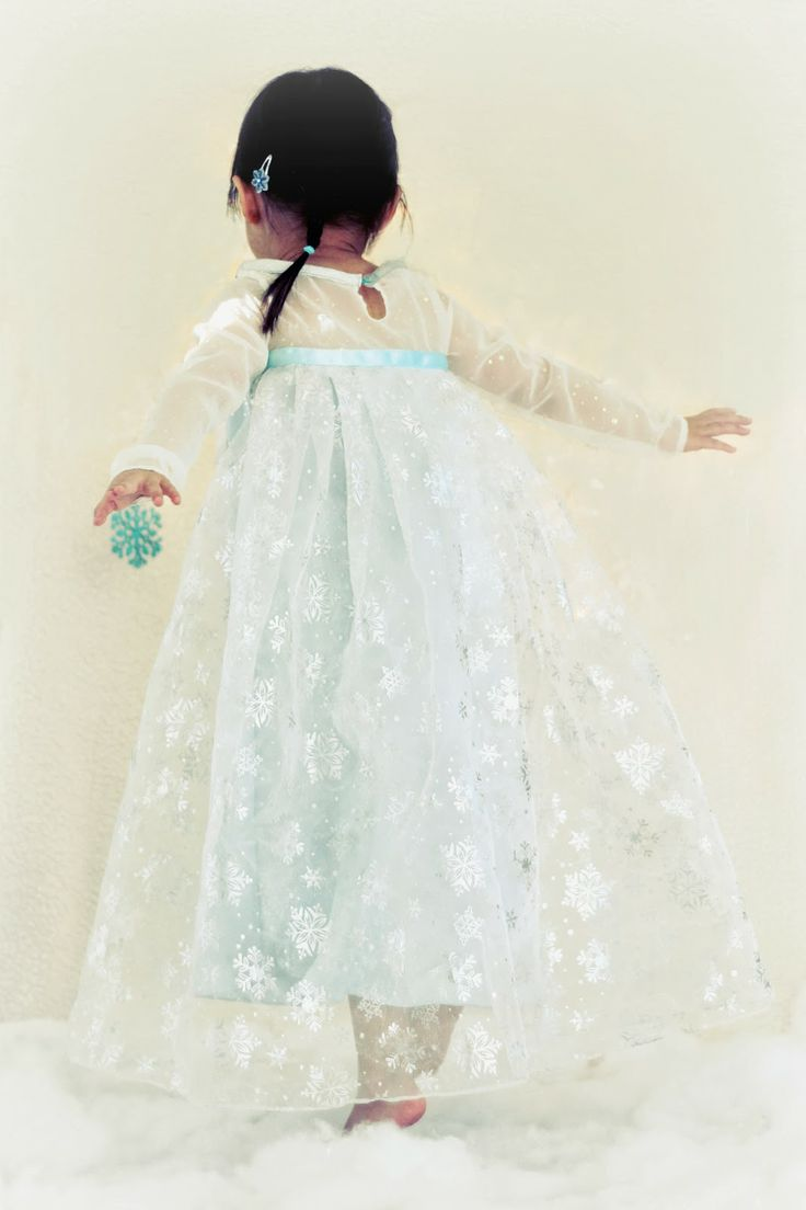 Peaches and Bees: Disney Frozen's Elsa Dress for Little Momo