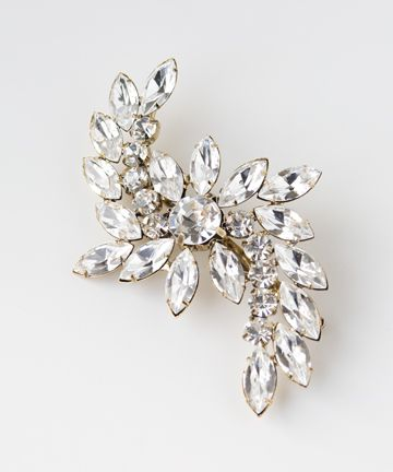 I love to pin these into my bride's hair ! Brooches passed down as something old, or something borrowed