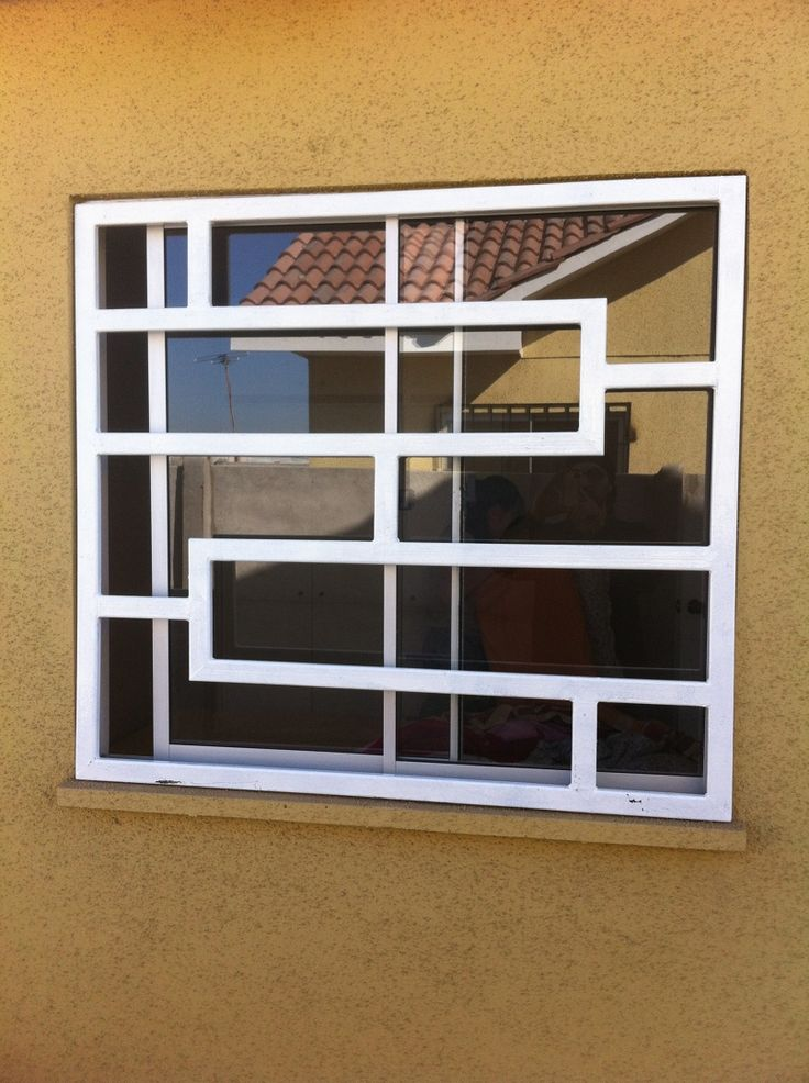 Foto: Proteccion de Ventanas de FIGIP EIRL #59095 - Habitissimo Home Window Grill Design, Iron Window Grill, Window Grill Design Modern, Balcony Grill Design, Grill Door Design, Balcony Railing Design, Window Design, Burglar Bars, Window Bars
