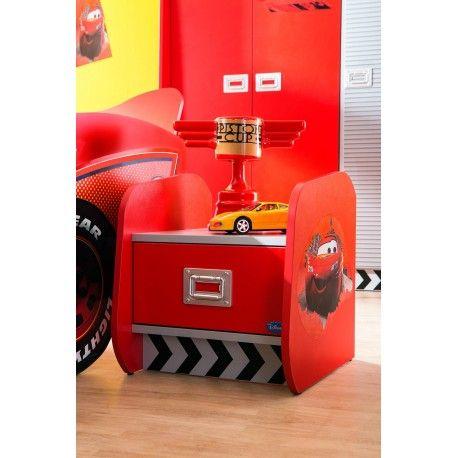 Trop mignonne la table de chevet «Cars» Elle dispose d'un tiroir sur rail métallique qui garantit sa résistance et d'un système de ralentisseurs pour prot...