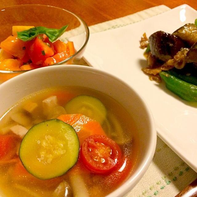 お野菜たっぷりメニュー! - 14件のもぐもぐ - 野菜スープ、なすと万願寺と豚肉の味噌炒め、2色のトマトのサラダ by あんな
