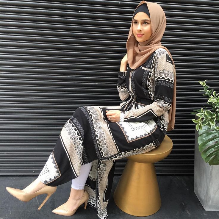 Your Favourite Box Print Drawstring Dress has been restocked 😍#modelleofficial #ootd #hootd #hijab #fashion #voguehijabs #coveredhair #l4l #f4f #casual #getthelook #outfit #modest #muslimah #style #styling #fashion #fashionblogger #fashionista #tbt #inspiration #spring #springfashion #cafe #islam #vsco #food #travelgram #tuesday #shop #shopping