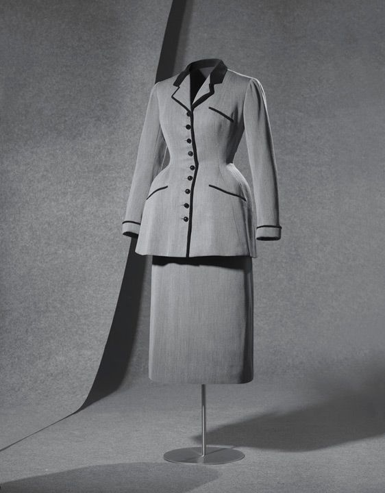"""""""DÍA"""" Suit, Cristóbal Balenciaga: 1947, flecked wool, silk velvet, faceted glass-paste buttons, button has lead weights to ensure the hang; hand-made."""