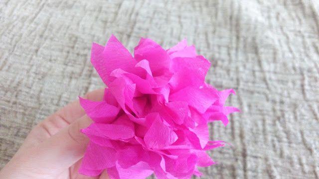 Χειροτέχνες εν δράσει...: DIY - λουλούδια με χαρτί γκοφρέ