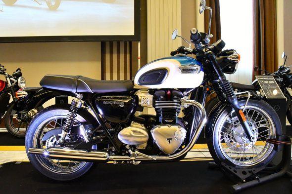 【レポート】トライアンフが水冷エンジン搭載のボンネビルT100/ブラック&ストリートカップを本邦初披露:青木タカオ - Autoblog 日本版