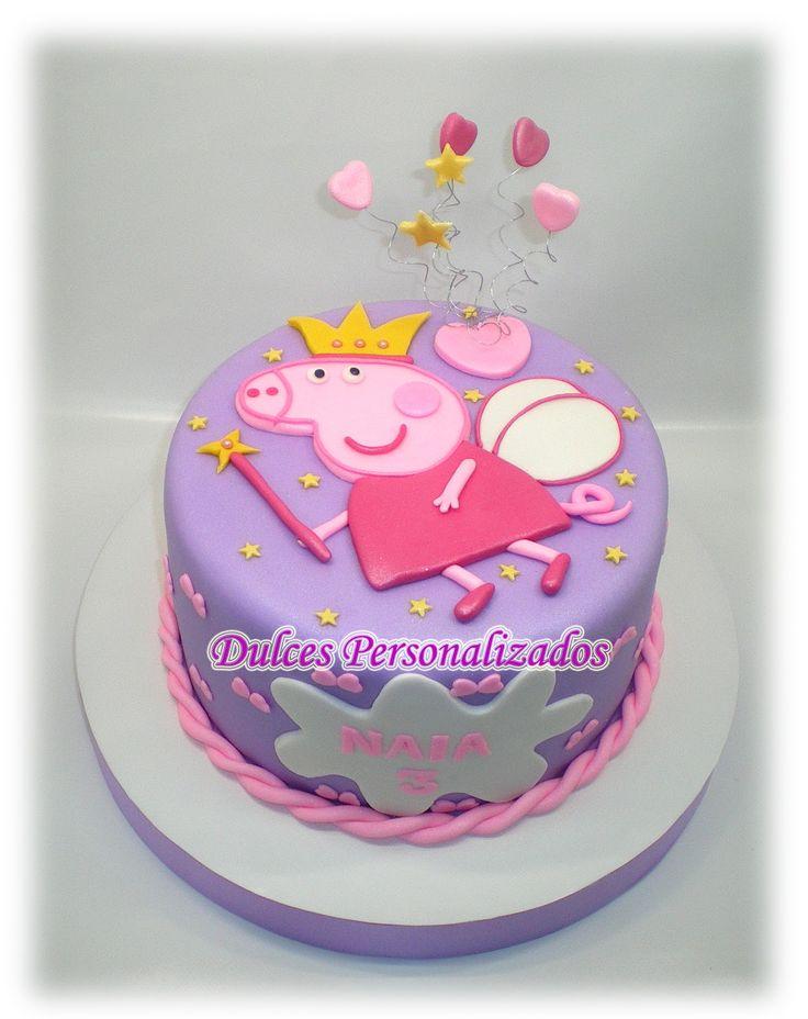 TARTA PEPPA PIG   Esta tarta es de Bizcocho de chocolate, r el l en o de crema de chocolate.