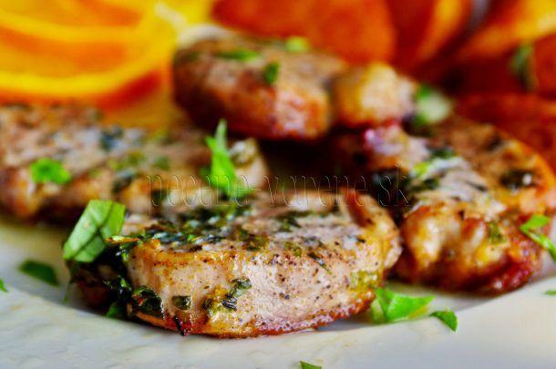 Steak z bravčovej panenky a byliniek