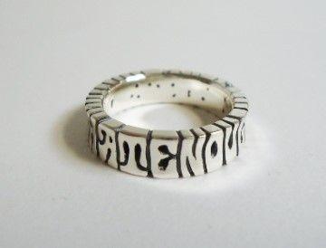 幅 5mm   厚さ 2mm好きな言葉や名前などでつくることができます。数字・記号もOKです。こちらは他のName Ringより細い作りのため、切れ目があると...|ハンドメイド、手作り、手仕事品の通販・販売・購入ならCreema。