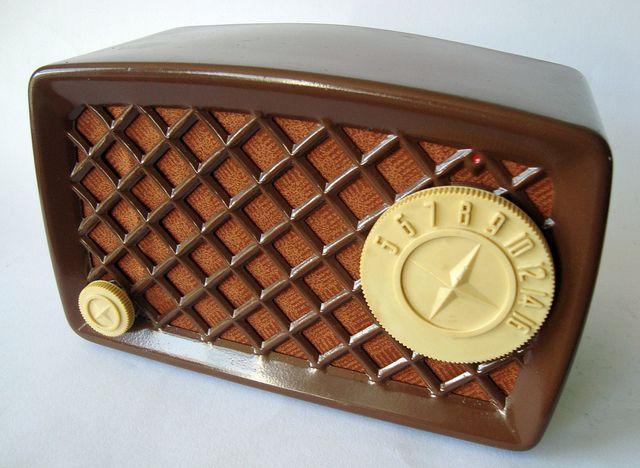 SILVERTONE Midget Metal Tableradio
