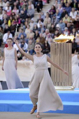 Η τελετή παράδοσης της Ολυμπιακής Φλόγας | ΦΩΤΟΓΡΑΦΙΑ | Protagon