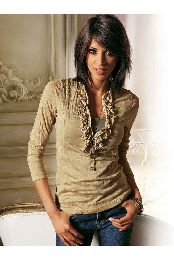 Love Shoulder length layered hairstyles? wanna give your hair a new look? Shoulder length layered hairstyles is a good choice for you. Here you will find some super sexy Shoulder length layered hairstyles, Find the best one for you, #Shoulderlengthlayeredhairstyles #Hairstyles #Hairstraightenerbeauty https://www.facebook.com/hairstraightenerbeauty