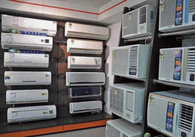 (1) The main operation of equipment of the splittype air