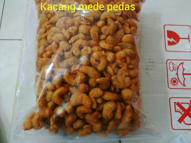 #Kacang mede pedas. 1kg = 165ribu. 1/2kg = 93ribu