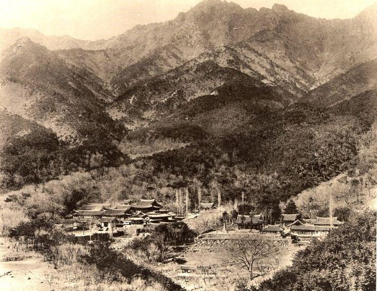 View of Tonghwa-sa Temple, Palgong-san, Daegu 1929 팔공산 동화사 1929 ④일제 강점기 우리 도시의 모습<대구(大邱)> : 네이버 블로그