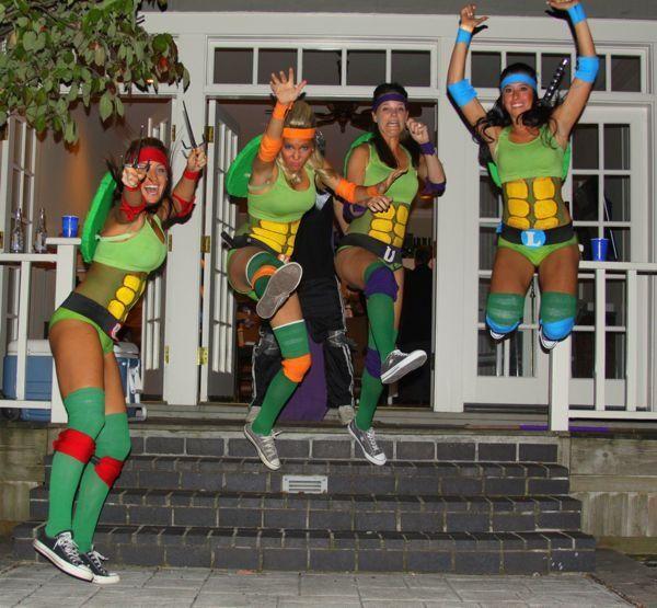 to beTeenage Mutant Ninja Turtles on halloween!..... Ummmm I am sooo doing this! I love me some TMNT!!
