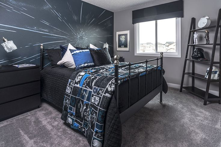Perfect bedroom for your Star Wars fan!