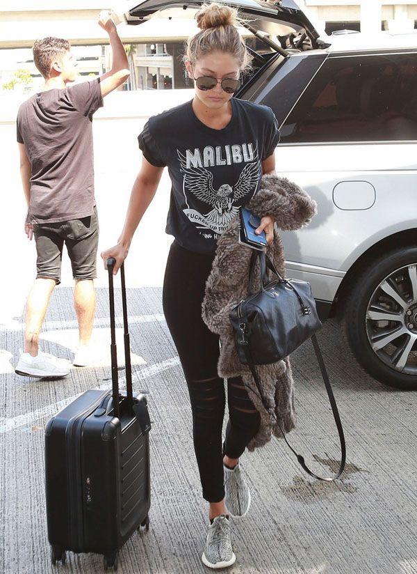 gigi-hadid-modelo-street-style-calca-rasgada-t-shirt