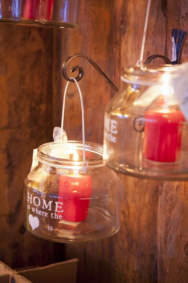 Romantiche candele #christmas #winter #lights #candles #lantern #red #home #decor
