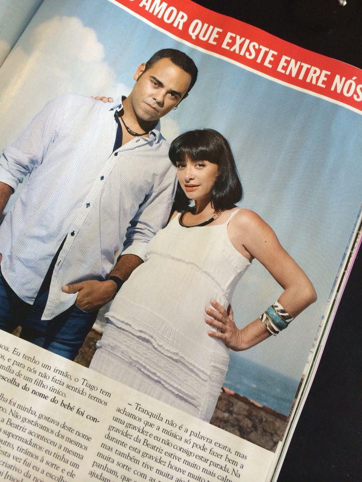 Marisa Liz dos Amor Electro usa pulseira Manuela de Oliveira na revista Caras