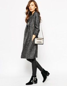 Dark grey duster coat, black skinny pants, and black shoes. Learn what to wear this fall, 2015 >>> http://justbestylish.com/what-to-wear-this-fall/