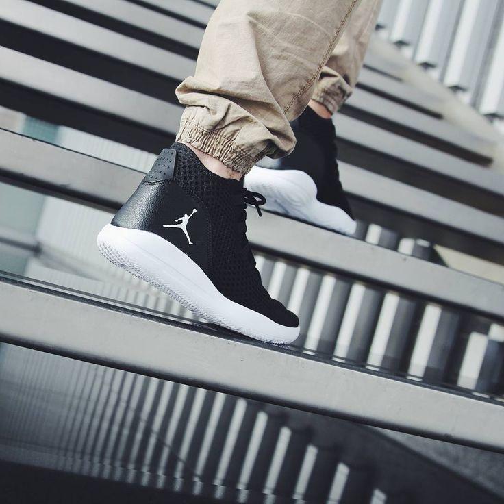 Nike Nike Kaishi GS 705489401, Baskets Mode Enfant EU 36