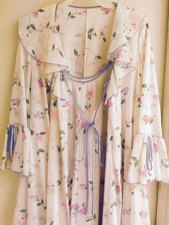 Ensemble de chemise de nuit Vintage 1960 ' s par LorasVintageShop