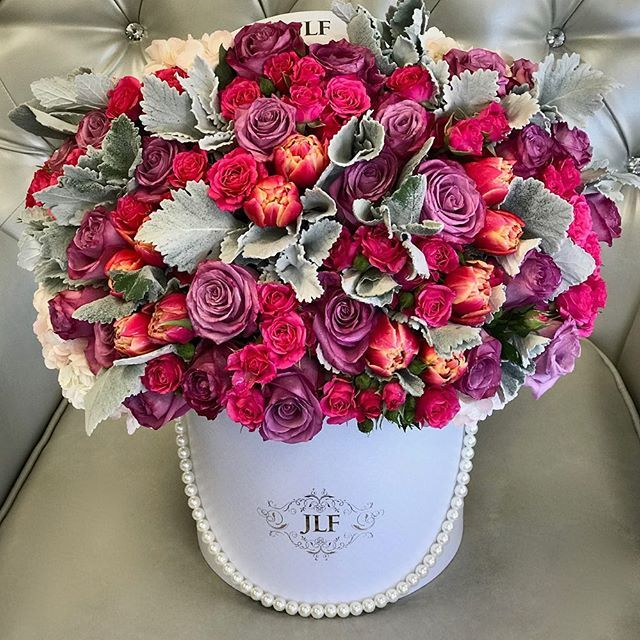 Hello Beautiful Available At Jadorelesfleurs Com Same Day Flower Delivery Fresh Flower Delivery Flower Delivery