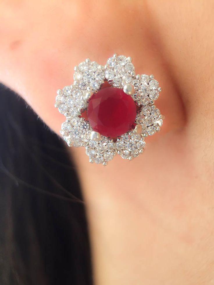 Compre Brinco flor de luxo rubi candy com zirconias semi joias na Waufen ✓ Semjoias Finas ✓ Ótimos Preços ✓ Entrega Rápida e Segura ✓ Pgto em até 12 Vezes