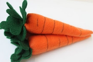 carrot tutorial - links to her other felt food tutorials