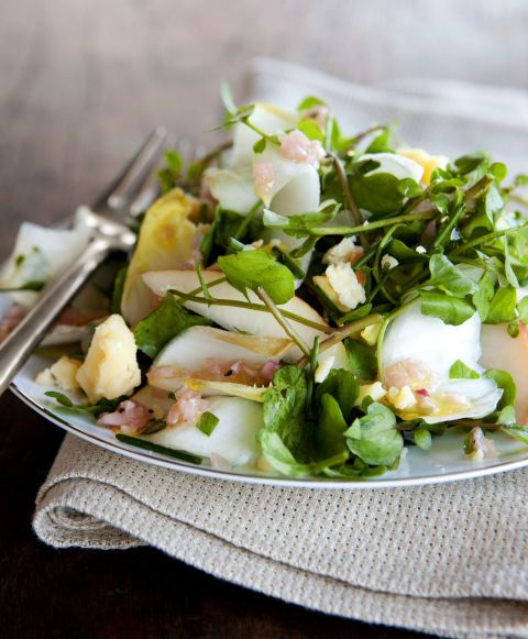 Plan the perfect holiday party. Recipe for an easy Winter Salad with Pears, Aged Cheddar, and Almonds.