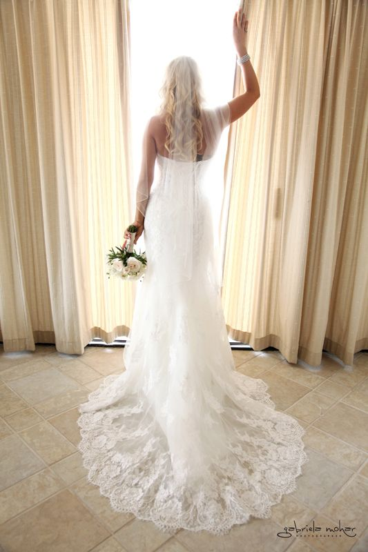 White lace wedding dress strapless! A favorite for our brides in Cabo.