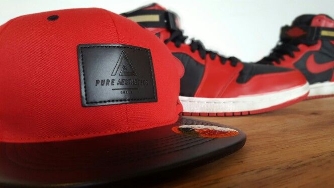 What better way to wear J's with some matching epic headwear : Feat. PURE AESTHETICS PRESTIGE BLACK BLOOD SNAPBACK
