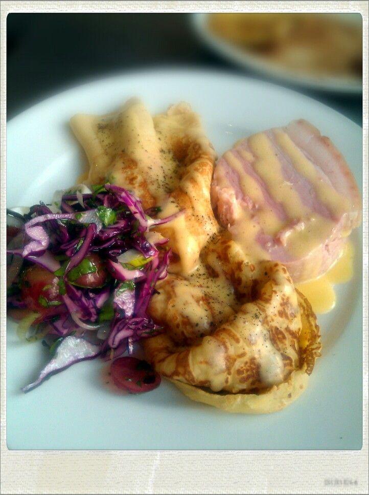 Cabbage salad, savoury crepes, home-made ham, Hollandaise...