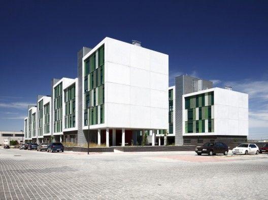 120 viviendas de protección pública en Parla / Arquitecnica (10)