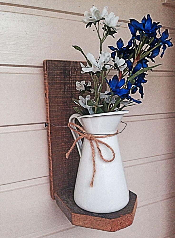 Plank • pitcher • flower