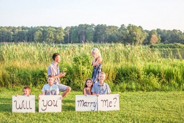 This family photoshoot became the most adorable proposal including their sweet kids!