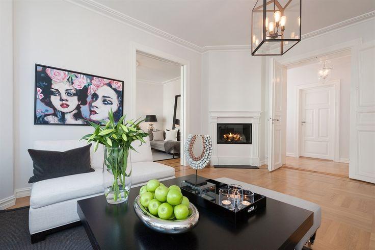 FINN – FROGNER - Herskaplig leilighet med to stuer, balkong, påkostet detaljer…