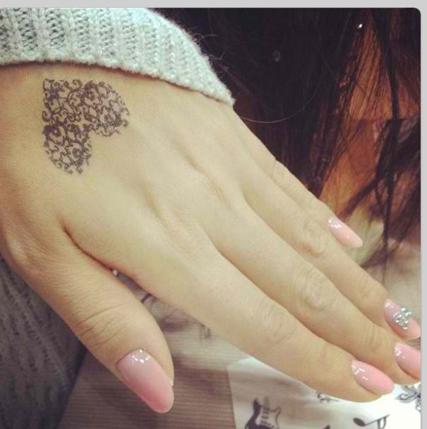 Lace tattoo = love!