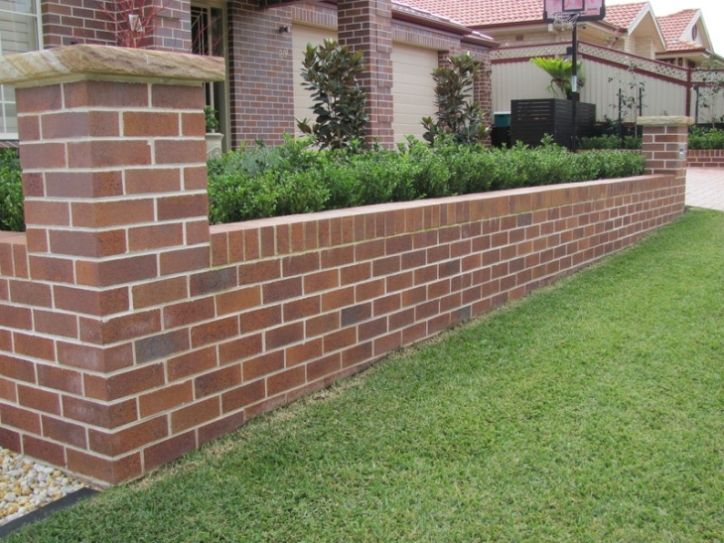 Brick fence designs plans ideas about brick fence on brick for Small front yard fence ideas