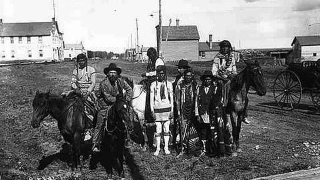 (Members of Papaschase band in the Fort Edmonton area, circa unknown. Courtesy: Papaschase band website) Brandi Morin APTN National News EDMONTON — Long before the City …