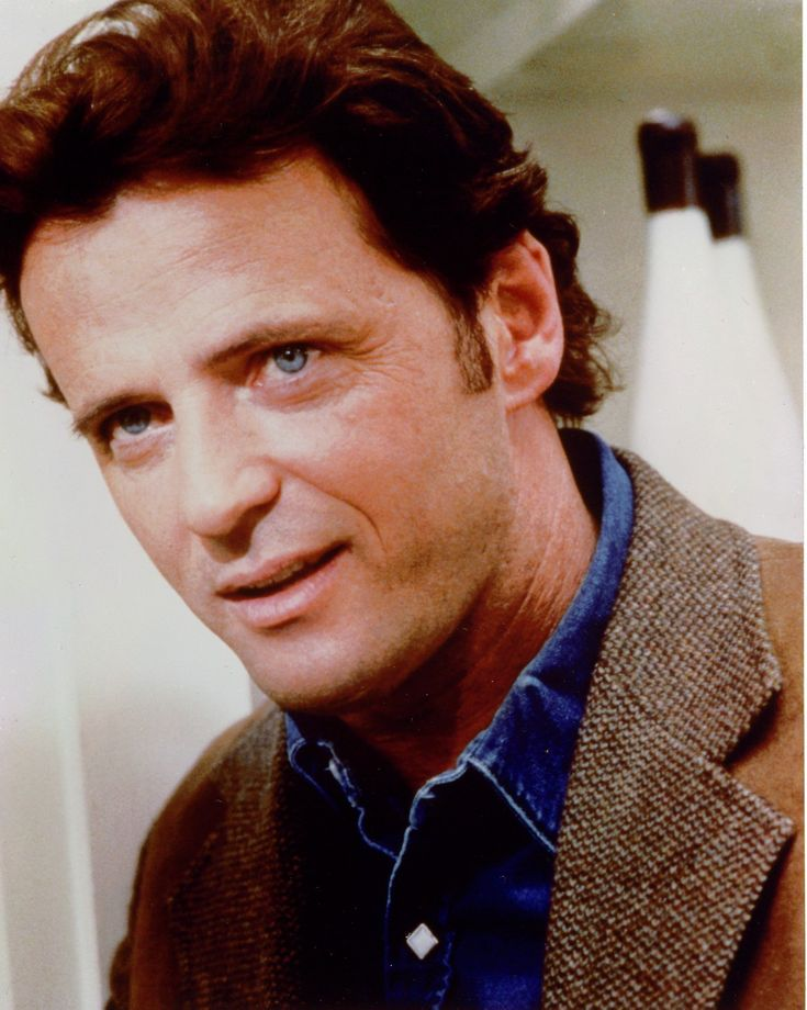 "Aidan Quinn (I loved him in the movie ""Practical Magic"" with Sandra Bullock back in 1998)"