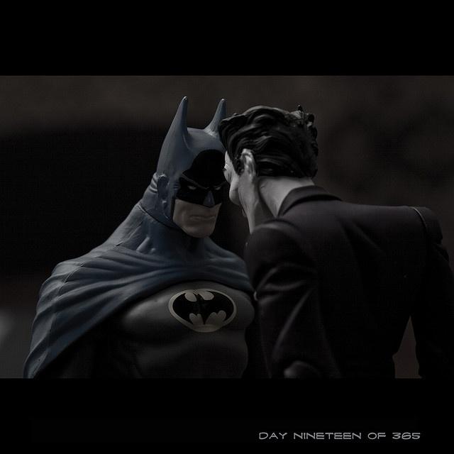 что картинка задай мне вопрос с бэтменом сборки еще парочку