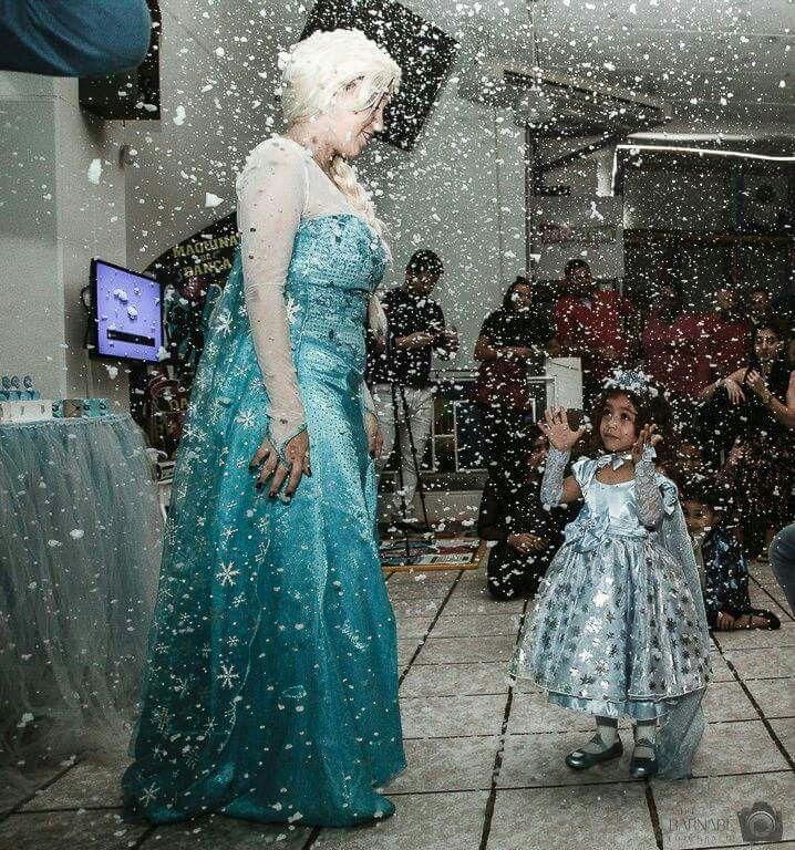Aluguel máquina de neve artificial para festas