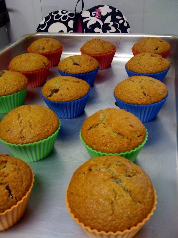 muffins farelo de trigo e de aveia e passas de pêssego