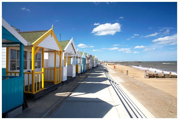 Google Image Result for http://www.theuklandscape.com/Suffolk%2520Main%2520Images/27-Southwold-Beach-Huts-M.jpg