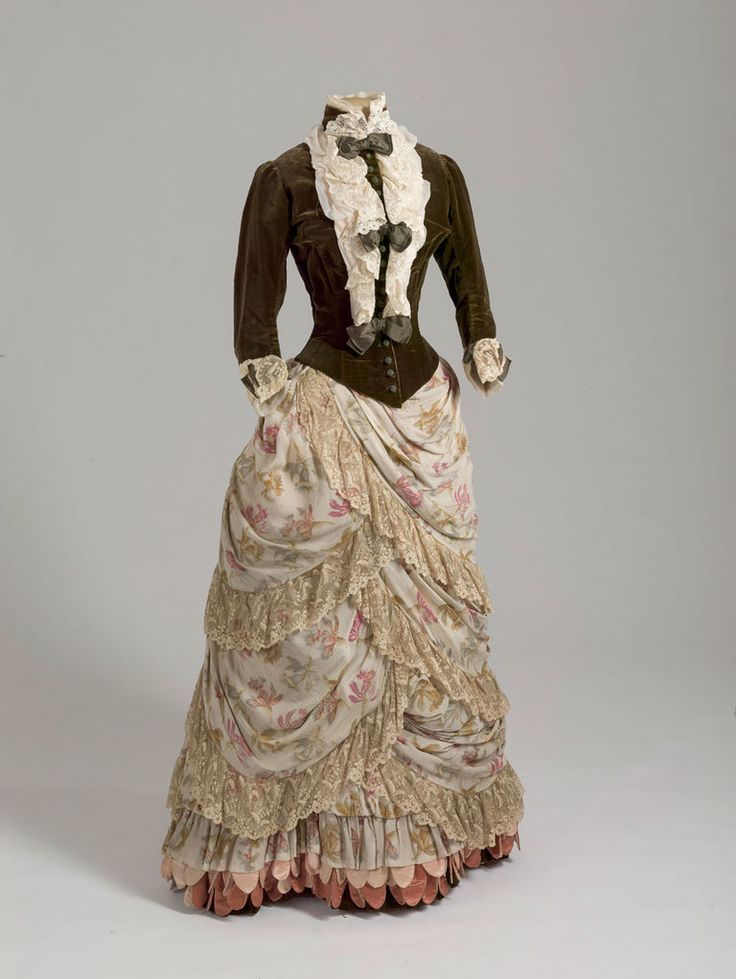 """fripperiesandfobs: """" Dress of Empress Maria Feodorovna, 1886-87 From the State Hermitage Museum """""""