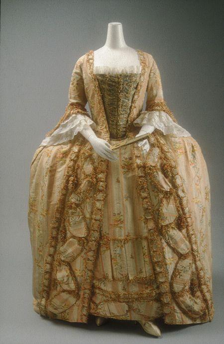 Robe a la francaise, 1775-1800, French, silk| Heilbrunn Timeline of Art History | The Metropolitan Museum of Art
